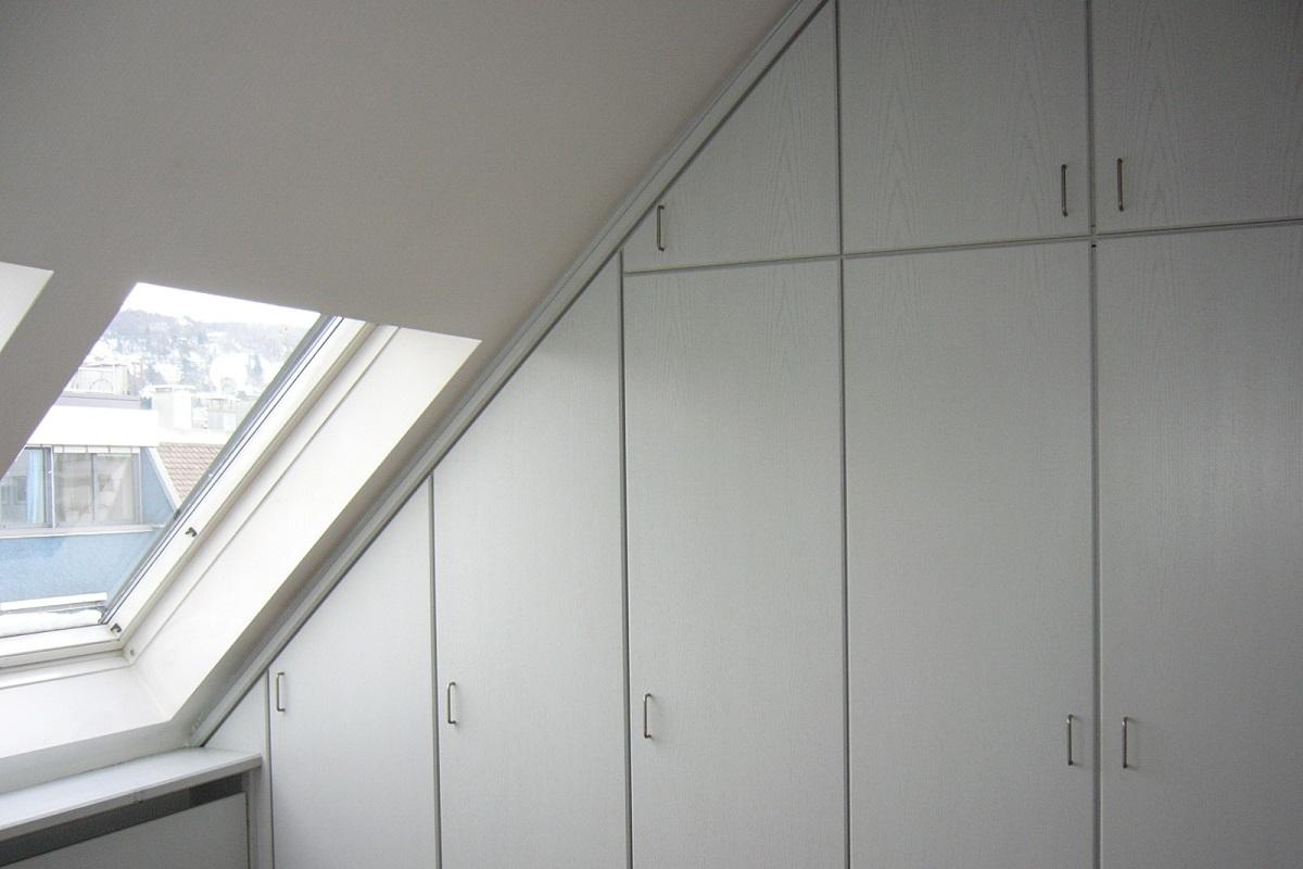 Einbauschrank für Dachschräge