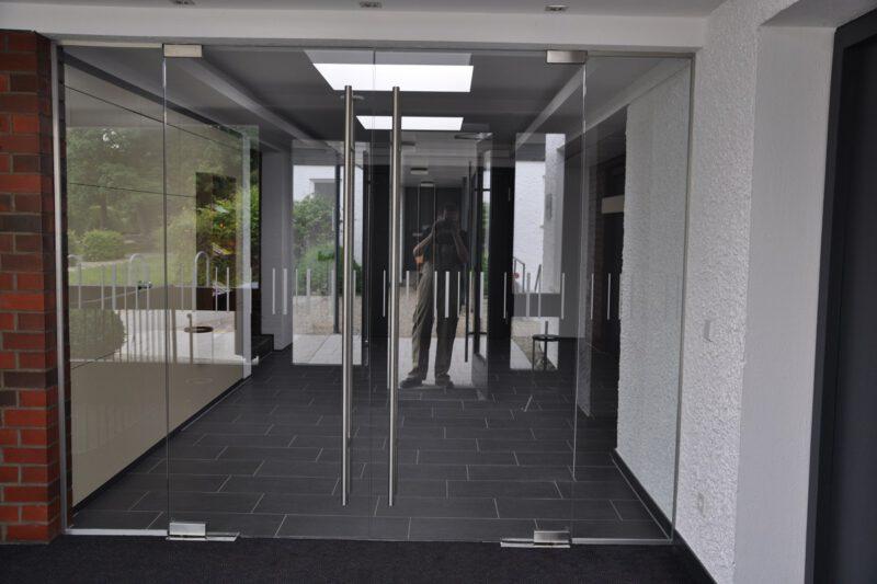 Glas Flügeltür