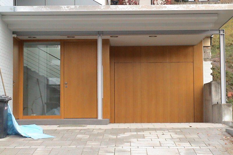 Holzverkleidung Eingangsbereich